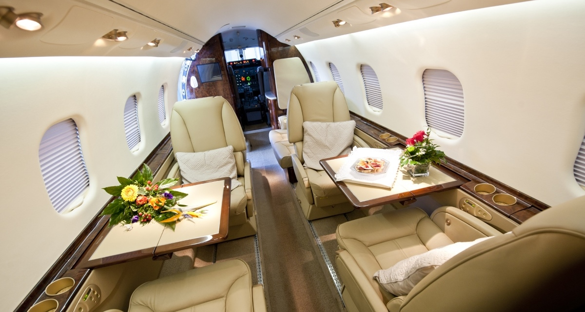 Lear 60 Int 1 1200x640 px